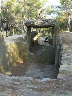 Dolmen des Fades, Languedoc-Roussillon