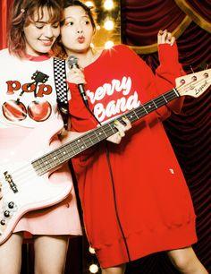 Cherry band big sweater