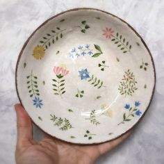 ceramica_v_radost has a beautiful hand-painted ceramics / Pottery Painting Designs, Pottery Designs, Paint Designs, Ceramic Painting, Ceramic Art, Ceramic Bowls, Ceramic Pottery, Pottery Art, Slab Pottery