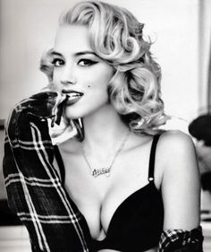 Twisty bun Amber Heard, Stay The Night, Retro Hairstyles, Game Of Thrones Characters, Beautiful, Beauty, Let It Be, Biscuit, Rest