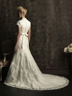 Modest wedding dress <3 i love it!!!