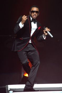 Trey Songz in a dapper outfit