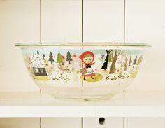 קערת פיירקס גדולה- red hood – Shoppu Pyrex Bowls, Holiday Tables, Bowl Set, Decorative Bowls, Table Settings, Goodies, How To Make, Bento, Inspiration