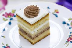 Farkas Bakery & Pastries | Cleveland Ohio | Napoleons (Krémes), Ludlab, Tortes, Dobos, Linzers, and More European Hungarian Desserts