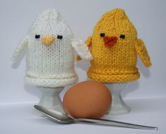 I'm offeringthis free pattern for Easter and beyond. Happy Knitting! :) Pick up the free pattern here: Chick Egg Cosies