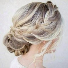 36 Messy Wedding Hair Updos For A Gorgeous Rustic Country Wedding To Chic Urban Wedding, Peinados, Messy Wedding Hair Updos For A Gorgeous Rustic Country Wedding To Urban Wedding - Finding the perfect wedding hairstyle isn't always easy. Messy Wedding Hair, Wedding Hair And Makeup, Hair Makeup, Wedding Updo With Braid, Makeup Hairstyle, Wedding Nails, Wedding Hair Blonde, Hair Styles Wedding Guest, Medium Wedding Hair