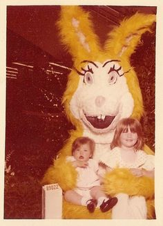 The outdated Easter bunny- almost scary! Real Easter Bunny, Easter Bunny Costume, Happy Easter, Creepy Clown, Scary, Creepy Old Photos, Easter Story, Art Costume, Funny Bunnies