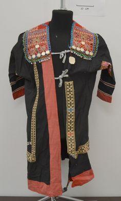 Сак - верхняя женская распашная одежда. Этническая принадлежность: ханты Середина XX в.