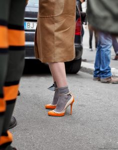 Orange pop with neutral and grey tones #HUELovesShoes