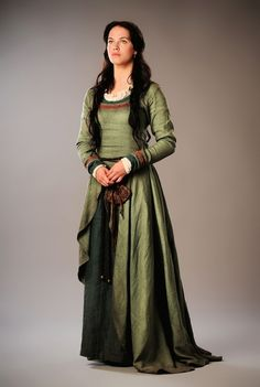 Jessica Brown Findlay as Alais Pelletier Du Mas in Labyrinth (TV Series, Costume Design by Charlotte Holdich and Moira Anne Meyer Renaissance Costume, Medieval Costume, Medieval Dress, Medieval Fashion, Medieval Clothing, Historical Clothing, Medieval Gothic, Medieval Girl, Viking Dress