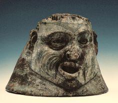 Tlingit war helmet, predstavlja ratni slem-masku, a radili su ga Indijanci, a ne Eskimi...drvo