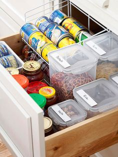 Those of you who have small kitchens must be smart with storage solutions. We've a bunch of cool and practical kitchen drawer organization ideas for you. Organisation Hacks, Kitchen Drawer Organization, Kitchen Drawers, Kitchen Organization, Kitchen Storage, Storage Organization, Drawer Storage, Cupboards, Junk Drawer