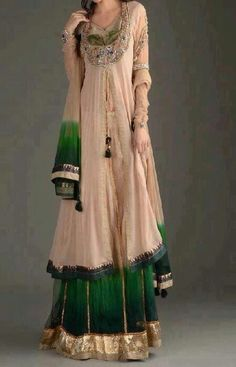 Canai women would wear the sleeved, long draping gowns, while Felanai would wear more sari type gowns.