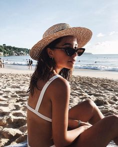 summer style + vacation look + beach vibes + summer aesthetic + bikini + tanned + swimming + travel inspiration + tropical fashion + mood board + sunkissed Summer Pictures, Beach Pictures, Summer Feeling, Summer Vibes, Beach Bum, Summer Beach, Foto Top, Beach Poses, Summer Photography