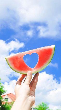New fruit photography summer fun Ideas Fruit Photography, Summer Photography, Creative Photography, Summer Wallpaper, Iphone Wallpaper, Hello Summer, Summer Fun, Summer Vibes, Photo Voyage