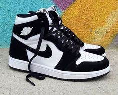Jordan Shoes Girls, Air Jordan Shoes, Girls Shoes, Jordans Girls, Jordan Outfits, Retro Jordan Shoes, Nike Jordans Women, Cool Jordans, Michael Jordan Shoes