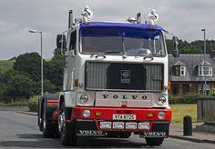Volvo F88 Vintage Trucks, Retro Vintage, Old Lorries, Cab Over, Volvo Trucks, Transporter, Busses, Classic Trucks, The Good Old Days