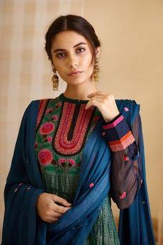 Indian Designer Outfits, Designer Dresses, Kurta Designs Women, Indian Ethnic Wear, Green Fabric, Teal Green, Anarkali, Indian Fashion, Fashion Forward