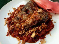 MASAK IKAN HABANG merupakan masakan khas Kalimantan Selatan yang biasa dihidangkan dalam acara kematian.