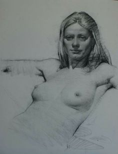 Female figure drawing in graphite by Daniel Sprick