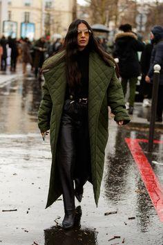 Women S Fashion Dresses Street Style Looks, Street Style Women, Winter Street Styles, Paris Street Fashion, Winter Fashion Street Style, London Fashion, Winter Style, Mode Dope, Winter Mode