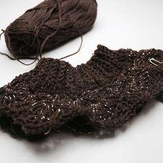 Jeg leger med glitter 😍 //Playing with glitter 😍  #bypapara #mitdesign #hækle #hæklerier #crochet #hekle #virka #crochetersofinstagram #børnetøj #diy #garn #yarn #yarnlove #hæklerier #hæklet #virkat #virkning #crochetfashion #håndarbejde #crocheting #hekling #haken