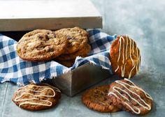 Lav selv smagfulde hjemmebagte cookies med vanilje, marcipan og chokolade - det tager kun 30 min. Opskriften kan ses på Odense Marcipans hjemmeside her