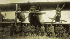 BBC - Future - Aviation giants: Ten super-sized planes from history Biplane behemoth The biggest plane of World War I was the Zeppelin-Staaken R.VI. Made of wood, each plane required a ground crew of 50. (Copyright: San Diego Air and Space Museum)