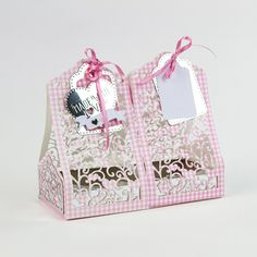 Cupcake Treat box used to create a double box and base using gingham card and acetate. #tonicstudios