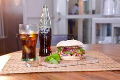 Saborea esta deliciosa receta: Bun de Secreto y Aguacate. Acompáñalo de una Coca-Cola y #SienteElSabor. #ComparteCocaColaCon Gonzalo D'Ambrosio. https://www.youtube.com/watch?v=7cRvR-p_9uA&feature=youtu.be