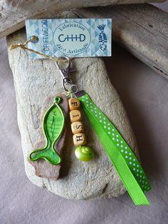 Porte clés et/ou bijou de sac en bois flotté vert femme : Autres bijoux par c-driftwood