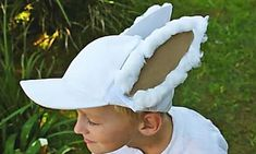 If you find yourself dreading the Easter hat parade, try whipping up this easy bunny cap idea for a simple Easter hat parade solution. Printable bunny ears are included. This is a great idea for boys who may find Easter bonnets a bit (ahem) feminine. Boys Easter Hat, Easter Bonnets For Boys, Easter Hat Parade, Easter Bunny Costume, Easter Crafts For Adults, Crafts For Boys, Easter Ideas, Easter Costumes, Costumes Kids