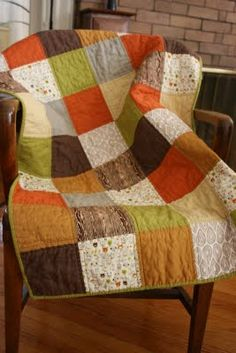 Sewing Block Quilts Good easy quilt - I like the colors on this one - looks like a quilt for Fall! Can't wait for my new sewing machine! - lovely fall colors for back to school. Quilting Projects, Quilting Designs, Sewing Projects, Quilt Baby, Patchwork Quilt, Rag Quilt, Fall Quilts, Quilt Making, Quilt Blocks