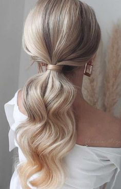 Wedding Ponytail Hairstyles, Bridal Ponytail, Easy Hairstyles, Prom Hairstyles, Ethnic Hairstyles, Ponytail For Prom, Easy Elegant Hairstyles, Medium Hair Ponytail, Hair Down Hairstyles