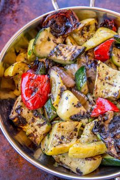 Balsamic Grilled Vegetables with just a hint of sweetness, grilled in a grill pan with deliciously charred spots. The perfect, easy side dish to your favorite grilled dinners. #grillingrecipes