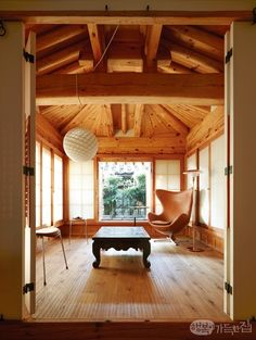Asian Interior, Interior And Exterior, Asian Design, Grand Designs, Japanese House, Sustainable Design, Traditional House, Interior Design Living Room, Displays