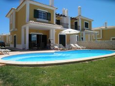 Holiday Villa with swimming pool in Guia - private pool and beach/lake nearby