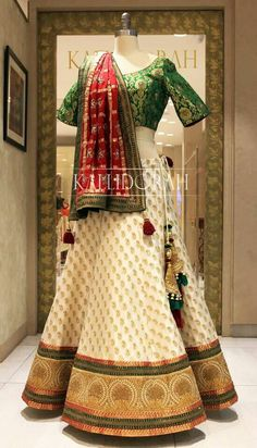 The companion of your Indian Bridal Outfits, Indian Bridal Lehenga, Indian Bridal Fashion, Indian Bridal Wear, Indian Designer Outfits, Wedding Lehenga Designs, Designer Sarees Wedding, Indian Gowns Dresses, Bridal Dresses