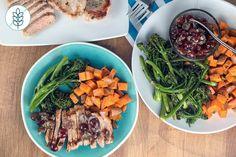 Côtelettes de Porc Poêlées avec Salsa aux Raisins et Broccolini Rôti Salsa, Ethnic Recipes, Food, Pork Chops, Kitchens, Essen, Salsa Music, Meals, Yemek