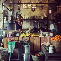 I like the feel - rustic with color. Consider black rod iron and destructed walls Cafe Restaurant, Restaurant Design, Juice Bar Design, Smoothie Bar, Fruit Shop, Café Bar, Cafe Bistro, Lunch Room, Bar Interior