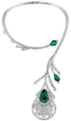 Boucheron Plume de Paon emerald and diamond necklace.  Plume refers to plumage or feathers. Thus this images resembles today's green feathers.