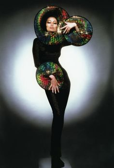 Pierre Cardin, 1960s Fashion, High Fashion, Fashion Moda, Vintage Fashion, Women's Fashion, Cnn New York, Star Trek Crew, Terry O Neill