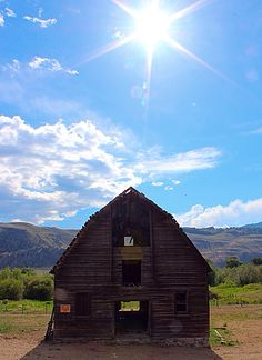 100 year old barn in Oliver, BC