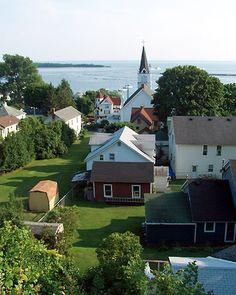 Get away to Mackinac island with no cars, only bikes & horses