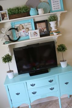 Adorable transformation of a bureau, plus love the accessories for this TV center, media center, tv room, den etc. way better than an ugly tv stand! @ DIY Home Design Cool Diy Projects, Home Projects, Shelf Above Tv, Above Tv Decor, Home And Living, Living Room, Small Living, Modern Living, Diy Home