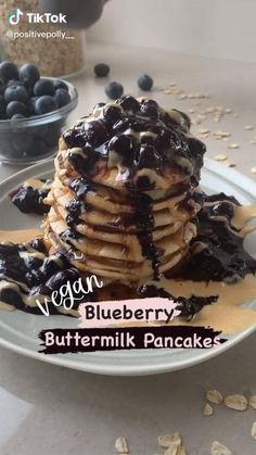 Healthy Blueberry Pancakes, Vegan Blueberry, Vegan Pancakes, Buttermilk Pancakes, Vegan Recipes Videos, Real Food Recipes, Good Food, Yummy Food, Healthy Food