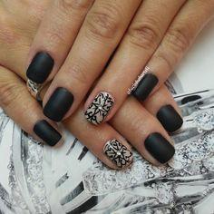 Matte nails art
