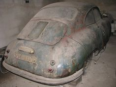 PORSCHE 356 pré-A in the barn