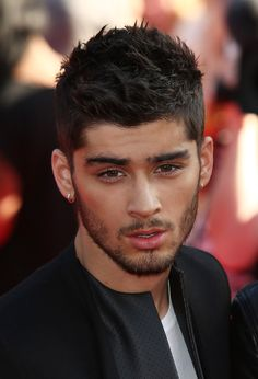 When he looked like a smoldering hot pile of hot ass on the red carpet. | 30 Times Zayn Malik Was The Most Perfect Member Of One Direction In 2013