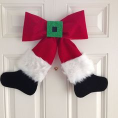 santa bow wreath wall hanging, christmas decorations, crafts, seasonal holiday decor, wreaths